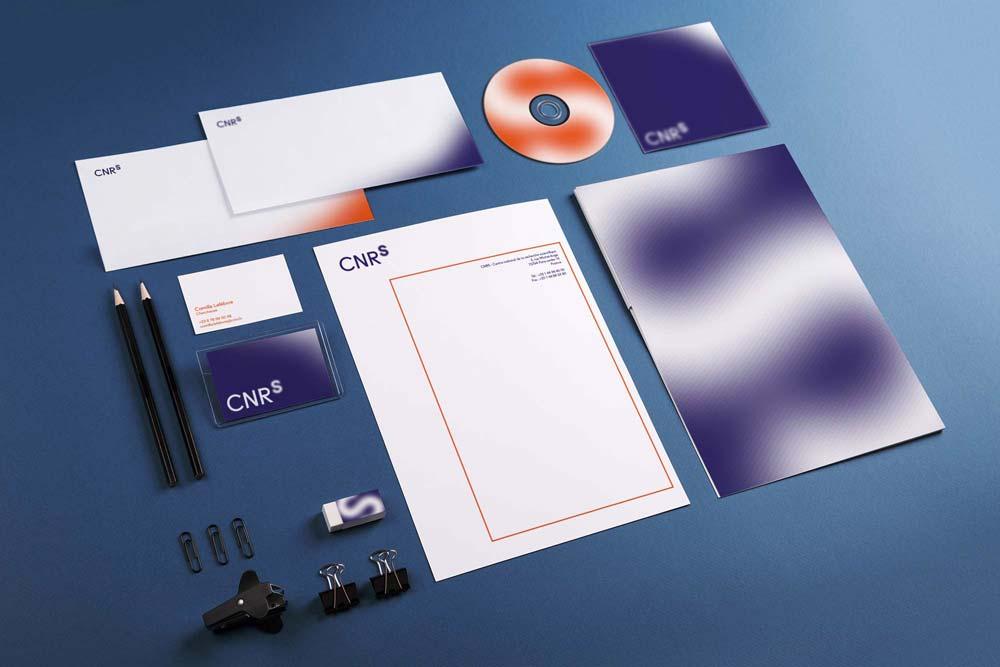 Papeterie - Branding pour le CNRS, nouveau logo, nouvelle charte, conception graphique